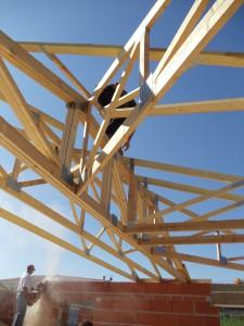 charpente fermette huit pentes avec point d'appuis central sur deux poutres en lamellé collé