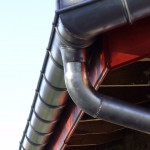gouttiere zinc cintrée par soudure avec enjoliveur d'angle